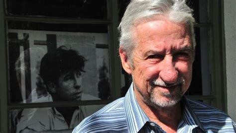 tom hayden famed  anti war activist dies