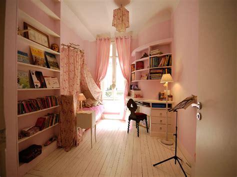 peindre une chambre de fille peindre une chambre association de gris et couleur taupe