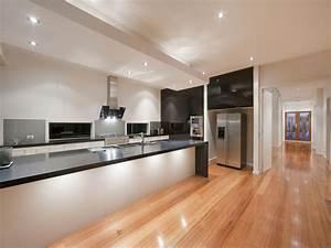 Art deco island kitchen design using granite - Kitchen