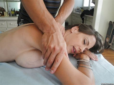 Milf Babe Mckenzie Lee Gets A Massage And Has Hot Sex
