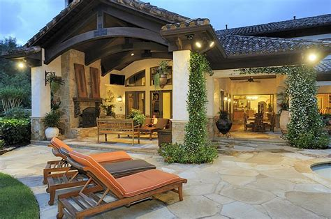 Tuscan Decorating Ideas For Patio by Triyae Tuscan Inspired Backyard Patio Pictures