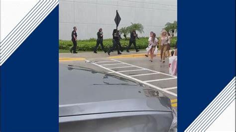 police report shooting  mall  boca raton florida