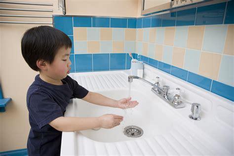 how to teach washing to preschoolers 383 | 173584340 56a777d85f9b58b7d0eabd5d