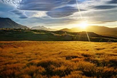 Zealand Grass Sun Mountain Rays Field Landscape