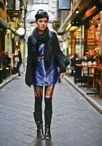 Shiny Blue Alleyway Melbourne Australia Street Fashion