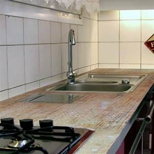 Recouvrir Plan De Travail Cuisine Adhesif : appliquer une r sine sur un plan de travail de cuisine ~ Dailycaller-alerts.com Idées de Décoration