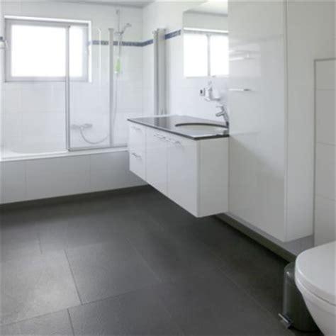 sol de salle de bain en li 232 ge toujours un bon choix o