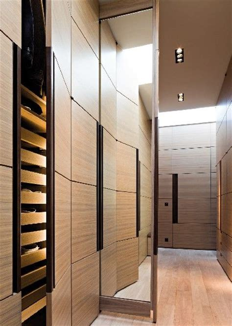 mirror cupboards and pockets on