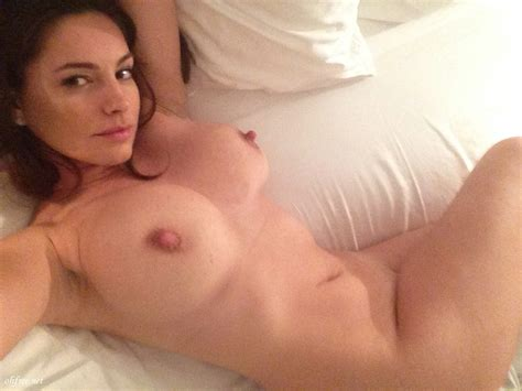 English Model Actress Kelly Brook Leaked Nude Photos