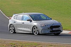 Ford Focus Gt : new 2019 ford focus st spied at the nurburgring auto express ~ Medecine-chirurgie-esthetiques.com Avis de Voitures