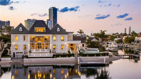 ridiculous mansions   buy   gold coast