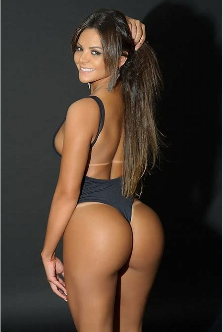 Brazil's Miss BumBum 2017 organisers ban 43 INCH behinds | Daily Mail Online