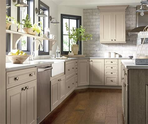 quarter sawn oak kitchen cabinets taupe kitchen cabinets decora cabinetry