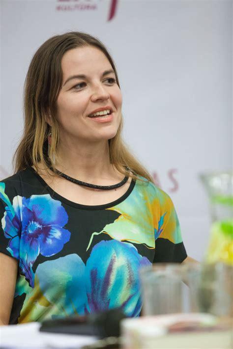 Rebeka Una (Author of Atjunk)