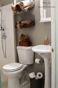 Industrial Style Bathroom Decor