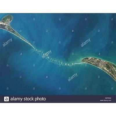 Satellite view of Adam's Bridge. This chain limestone