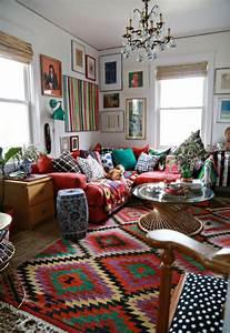 Deco Multicolore : d co salon boheme tapis multicolore lustre en cristaux table ronde en verre ~ Nature-et-papiers.com Idées de Décoration