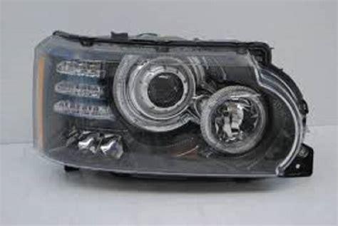 land rover lr4 2010 passenger side headlight