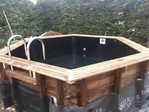 piscine en bois hexagonale semi enterree liner noir vercors piscine