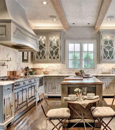 aged kitchen cabinets 1000 ideas about glazed walls on tiling 1183