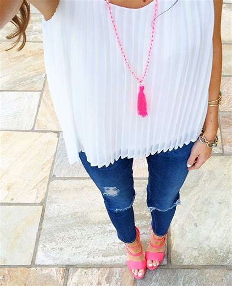 Best 25+ Pink shoes outfit ideas on Pinterest | Pink heels outfit Shift dress outfit and D rose ...