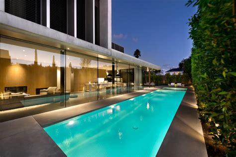 luxury modern pools  patios   build  house