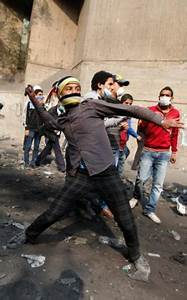 Violence erupts in Cairo, Egypt: Thousands of protesters ...