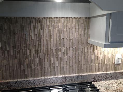 Vertical Tile Backsplash : Vertical Glass Tile