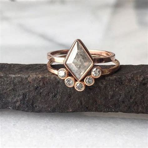 love  natural silver grey geometric ring bezel arc