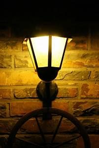 Licht In Der Laterne : laterne bei nacht foto bild fotokunst licht und feuer allerlei bilder auf fotocommunity ~ Watch28wear.com Haus und Dekorationen
