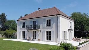 Haus Mit Fensterläden : alu klappl den alu fensterl den bewegliche lamellen klappl den fensterl den aus ~ Eleganceandgraceweddings.com Haus und Dekorationen