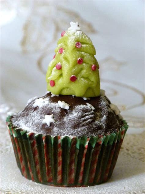 weihnachtsbaum cupcake topper aus marzipan oder fondant