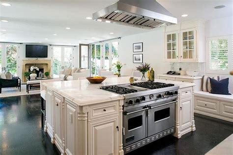 Kitchen Island With Viking Range  Transitional Kitchen