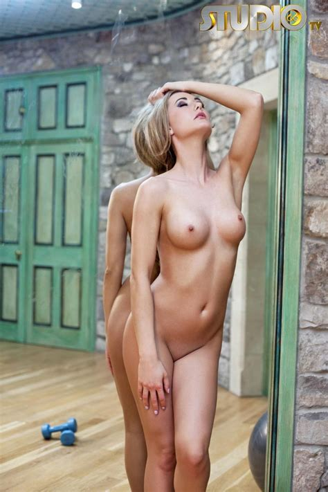 Sammi Tye Naked Workout