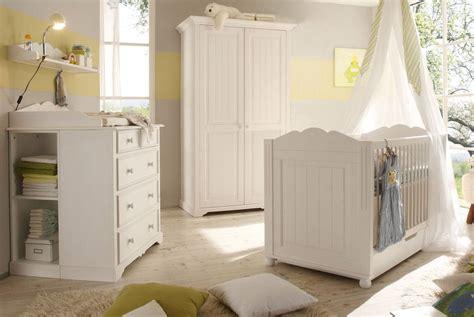 babyzimmer landhausstil cinderella romantik stil weiss
