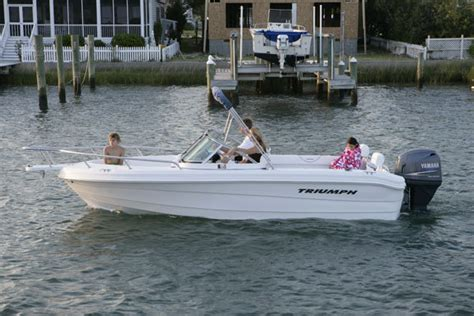 Triumph Boats Problems by Research Triumph Boats 195 Dc Dual Console Boat On Iboats