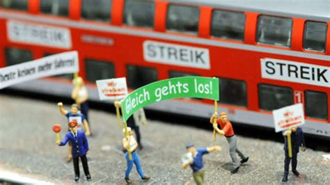 15 hours ago · die lokführer haben einen streik angekündigt und treffen die bahn damit mitten in der krise. Deutsche Bahn: Streik der Lokführer hat begonnen - erste ...