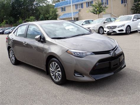 Toyota Schaumburg by Certified Pre Owned 2018 Toyota Corolla Xle 4d Sedan In
