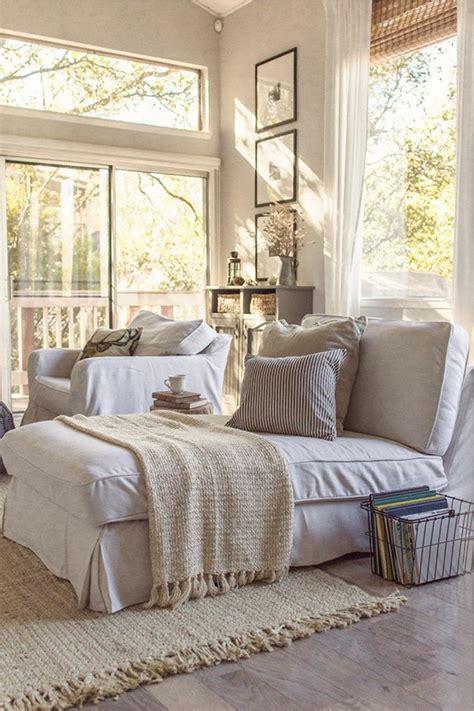 canapé plus fauteuil canapé plus fauteuil 17 idées de décoration intérieure