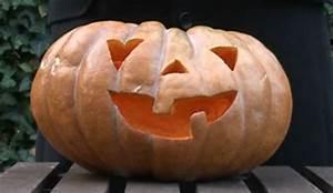 Comment Faire Une Citrouille Pour Halloween : vid o comment faire une citrouille lumineuse pour halloween c t maison ~ Voncanada.com Idées de Décoration
