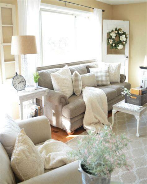 Living Room Pillows Ideas by 5601 Cozy Sofa Pillow Ideas For Awesome Living Room Decoredo