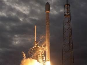 SpaceX Delivers Thaicom-6 Satellite to Orbit - SpaceNews.com