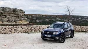 Dacia Duster Automatique : dacia duster dci 110 edc la version black touch quip e de la bo te automatique l essai ~ Gottalentnigeria.com Avis de Voitures