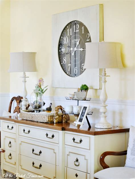 oversized wall clock   dining room   picket fence