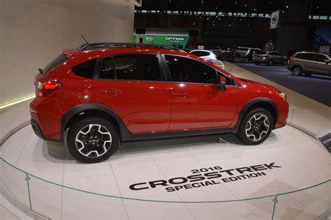 subaru crosstrek 2017 red 2017 subaru crosstrek red 200 interior and exterior images