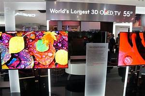 """LG Shows Off World's Largest 55"""" 3D OLED TV - Hands On"""