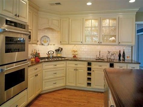 Notice the corner stove top   I would have a peninsula