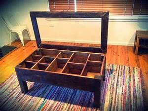 Wood pallet coffee table with glass top 101 pallets for Coffee table with storage and glass top