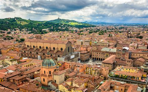 a bologna bologna city in italy thousand wonders