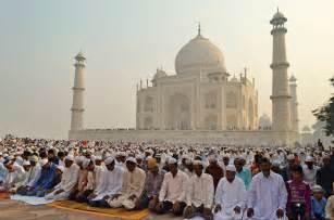 Singapore's Muslim Population To Overtake Christianity's ...